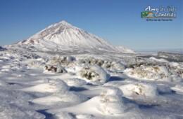 el teide con nieve nevado tenerife islas canarias teide nevado en el pico poca mucha nieve fotos