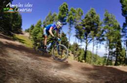 que tipo de deportes se pueden realizar en canarias fotos de ciclismo bicicleta bajando montañas deportes al aire libre islas canarias españa